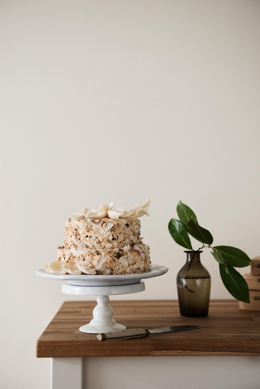 tort-crema-unt-caramel-bezea-v02